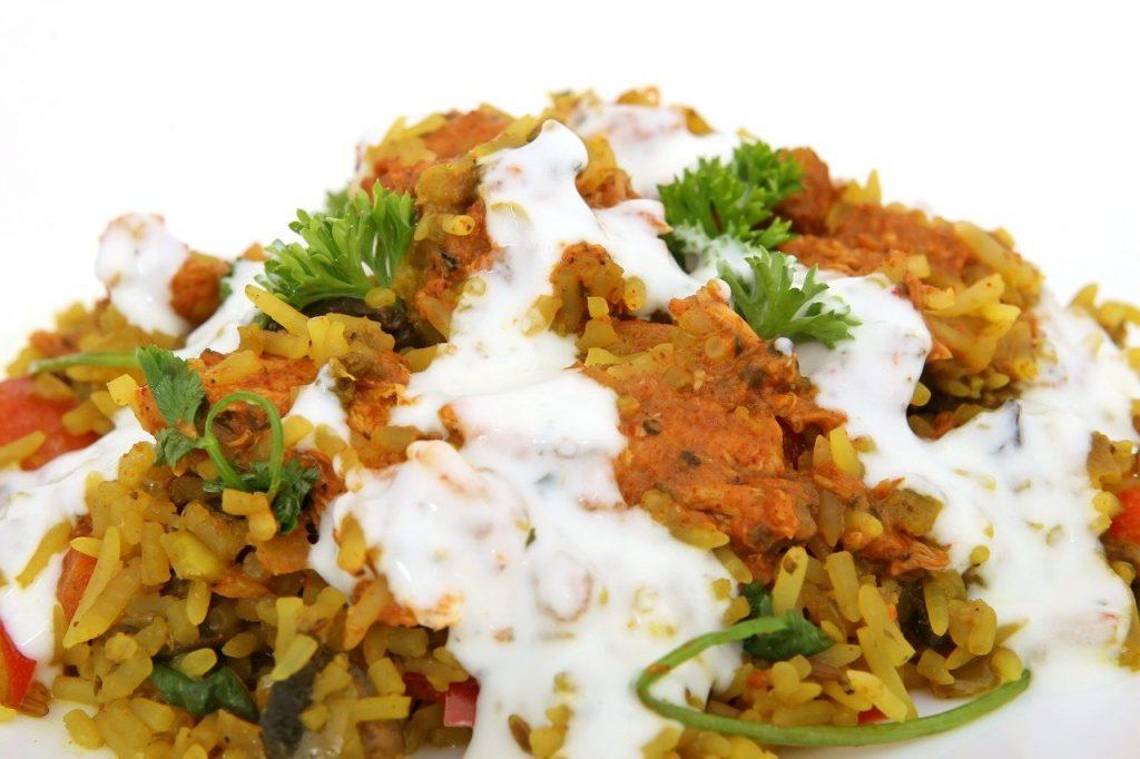 מתכונים בעשר דקות: תבשיל אורז הודי בחלב קוקוס